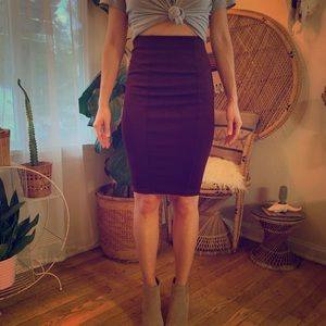Wine colored pencil skirt from Zara